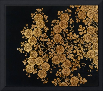 Box decorated with chrysanthemums (lacquered wood)