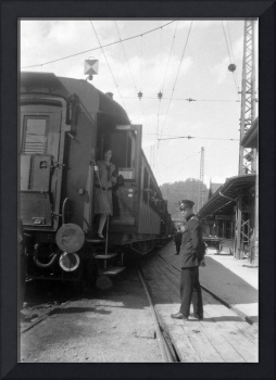 1920s woman on train en route to Pontarlier