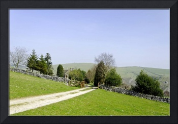 Approach to Air Cottage near Ilam (30683-RDA)