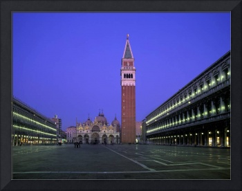 Venice. St. Mark's Square (8279c Alan Copson ©)