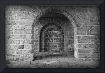 Akerhus Arches with Vignette - Black and White