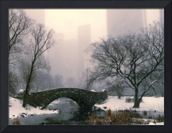 Snowfall on Gapstow Bridge