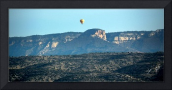 Butte and Balloon 0394