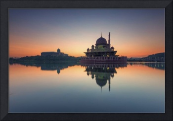 Clear Sunrise over Putra Mosque