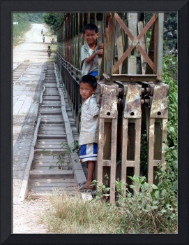 kids on bridge