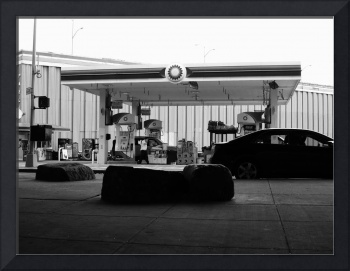 New York City Gas Station BW 2017