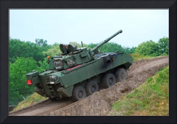 A Belgian Army Piranha IIIC with the LCTS-90 Cocke