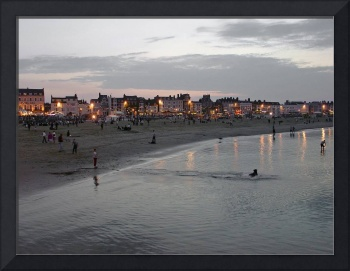Evening Beach Fun, Weymouth  (12938-RDA)