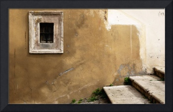 Window over steps - Rome