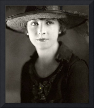 Photo homage, Karl Struss, 1920's studio portrait