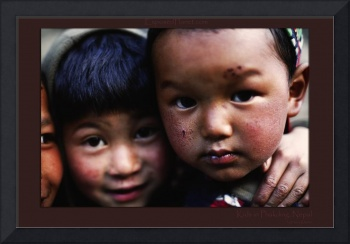 Kids in Phakding, Nepal (1)