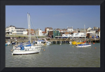 Bridlington Harbour Scene 02 (26172-RDA)