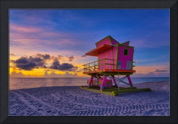 46th Street Lifeguard Tower at Dawn