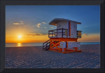 17th Street Lifeguard Tower after Sunrise
