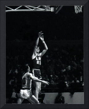 Pete Maravich shooting from distance