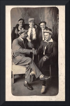 1910s   Guys Buddies Shaking Hands Gangsters