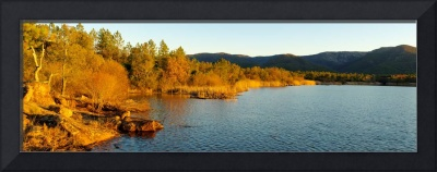 Sunset light on the Lac des Escarcets - Provence