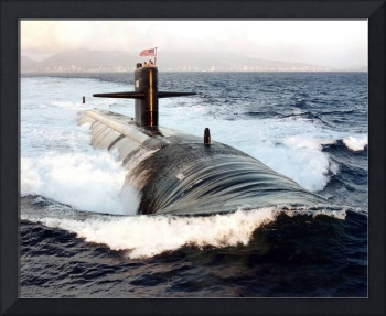 Starboard bow view of Attack Submarine USS Los Ang