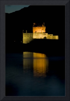 Castle Eilean Donan at night