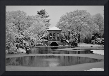 BoatHouse B&W