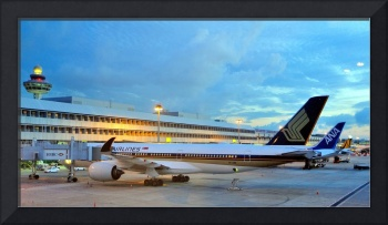 Singapore Airport Before SunriseWithA350-9009V-SMB