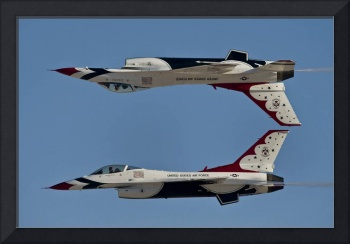 U.S. Air Force Thunderbirds demonstrate the calyps
