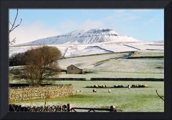 Pen-y-Ghent Yorkshire Dales UK