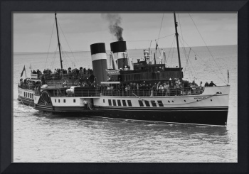 The Waverley Paddle Steamer Mono