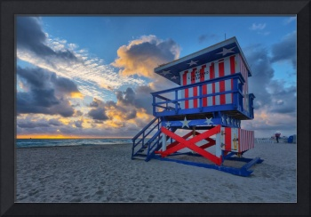 13th Street Lifeguard Tower at Sunrise