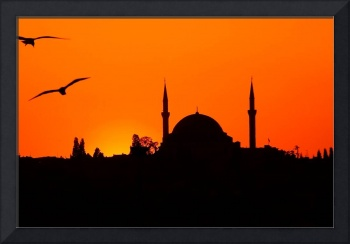 Yavuz Sultan Selim Camii at sunset