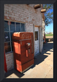 Route 66 - Rusty Coke Machine