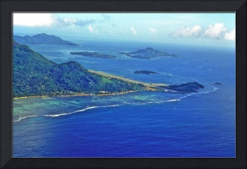 Seychelles International Airport, End of Runway