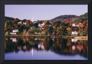 New England Town Of Barnet Reflected In Water, Ver