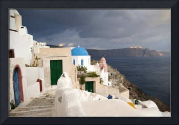 A storm falls on Oia