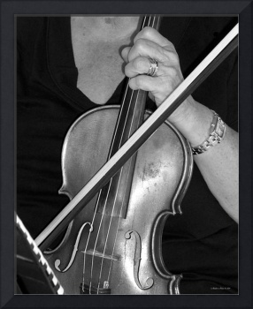 Violinist Black and White