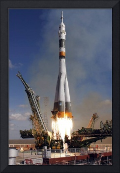 The Soyuz TMA13 spacecraft launches from the Baiko