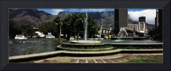 Fountain with Table Mountain in the background Ca