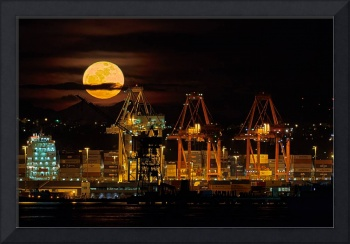 6460 March 19, 2011 Supermoon Over Port of Seattle