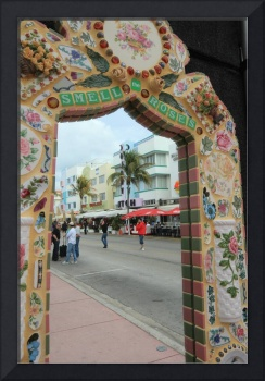 Miami mirror art