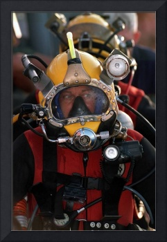 US Navy Officer wears the MK21 Mod One diving helm