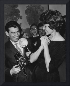Rita Hayworth with photographer