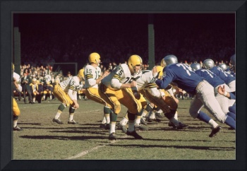 Bart Starr drops back