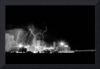 Budweiser Lightning Thunderstorm Moving Out BW