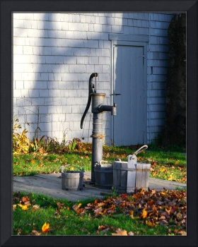 Olde Fashioned Water Pump