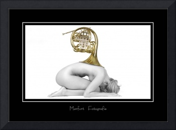nude women with french horn