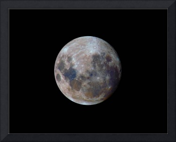 The true colors of the moon during the 2010 perige