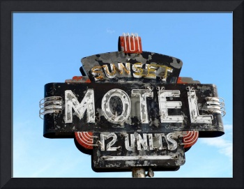 Sunset Motel, Dee Oberle