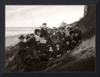 Family outing at Ocean Beach c1895