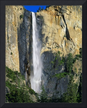 Bridal Veil Falls, Yosemite National Park, Califor