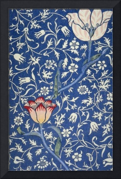 Blue and White Winding Flower Design